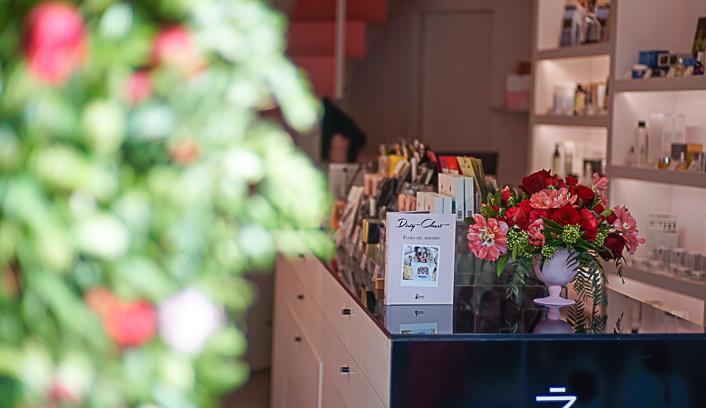 decoracion-floral-para-empresas-escaparate
