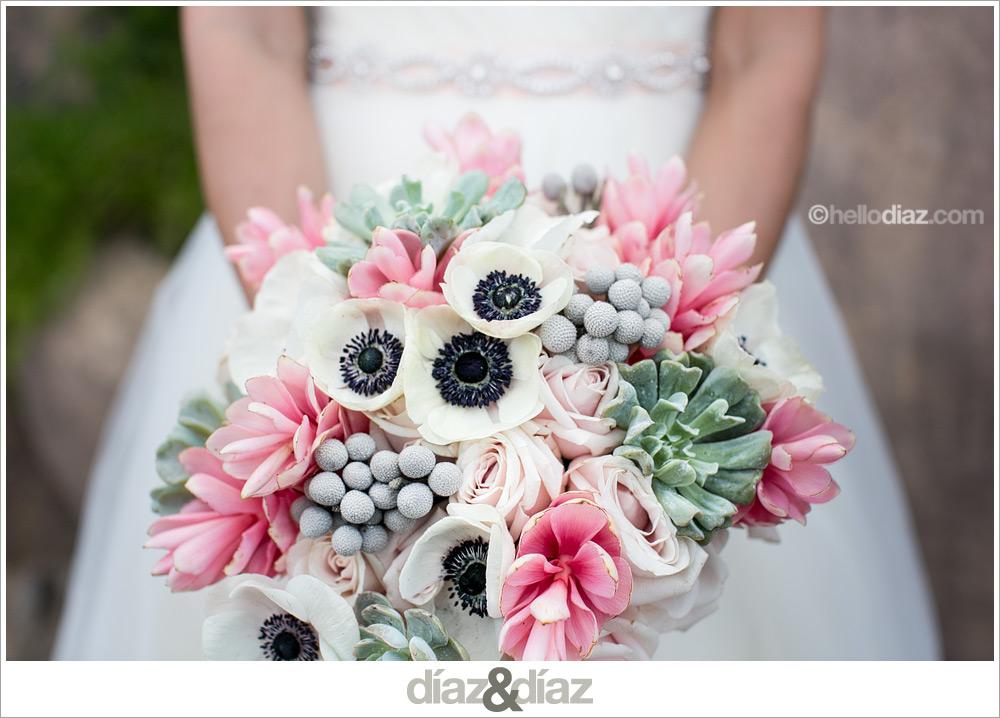 anemone-succulent-bouquet-san-antonio-wedding-photographer-ginger-diaz