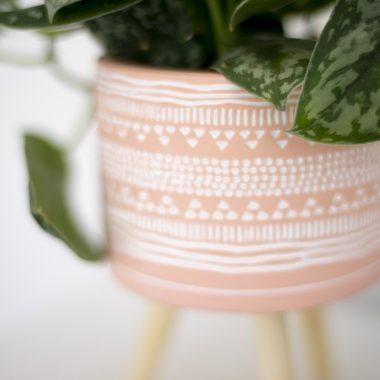 Macetero Cemento y Madera Rosa - Floritismo